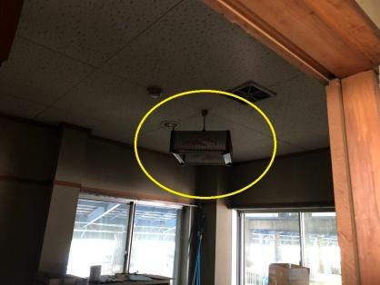 倉庫休憩室の照明器具取替電気工事
